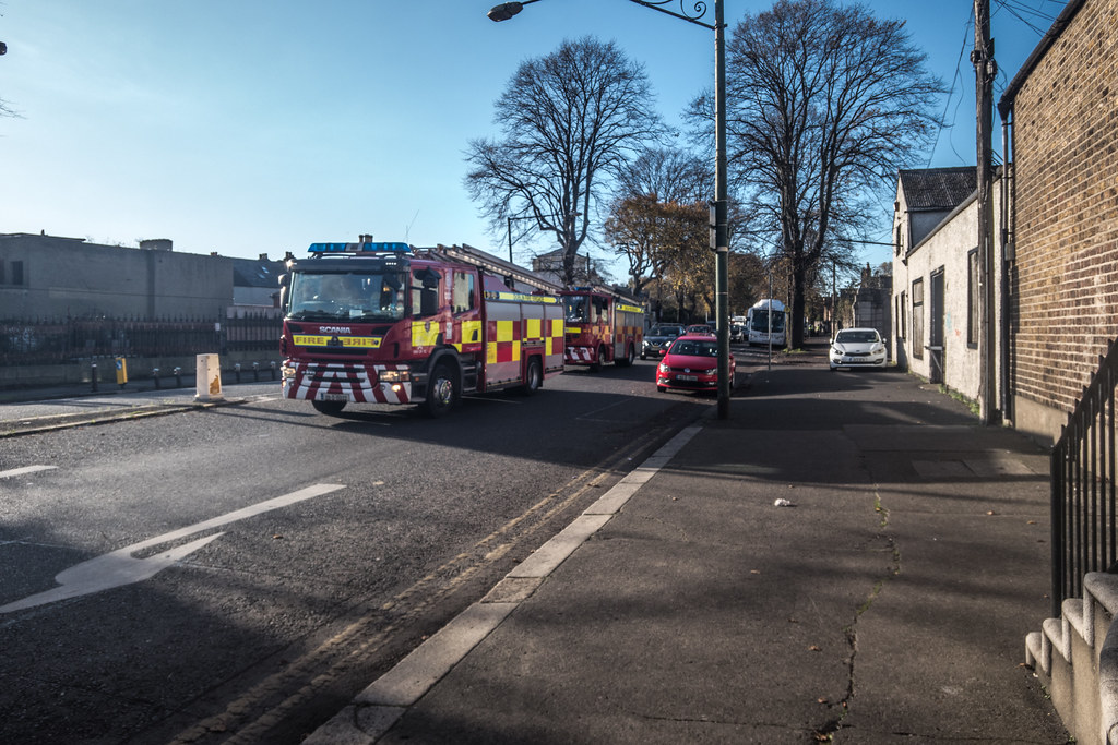 FOR THOSE OF YOU WHO ARE INTERESTED IN FIRE ENGINES [DUBLIN FIRE BRIGADE]-133603