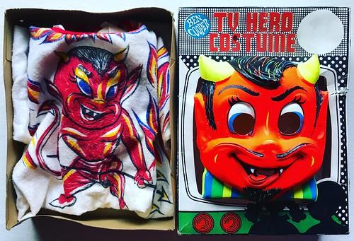 1970s devil halloween costume mask