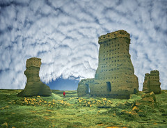 Tras las ruinas, esperanza. / After the ruins, hope. (Oscar Martín Antón) Tags: castle castillo palencia palenzuela españa spain ruins ruina color colour simbolismo symbolism creative creatividad surrealista surrealismo cotton cloud nubes algodon hope esperanza dream sueño dreamcatcher