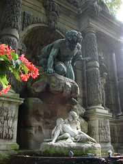 Medici fountain (geraldineh.dutilly) Tags: paris luxembourg fountain love light color flowers