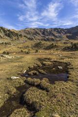 Pic de l'Estanyó 2915m. Principat d'Andorra (kike.matas) Tags: canon canoneos6d canonef1635f28liiusm kikematas lestanyó parcnaturaldelavalldesorteny ordino andorra andorre principatdandorra pirineos paisaje pico montañas agua nature nubes senderismo excursión lightroom6 андорра