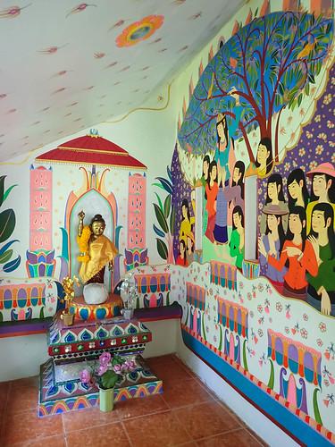 The Buddha room at the entrance to Wat Palad