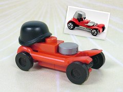 Micro Red Baron (Unijob Lindo) Tags: lego leg godt micro microscale scale toy toys car hot wheels red baron crowbar tiny small model helmet stahlhelm stahl helm scaled motor engine vehicle rod hotrod chuck miller tom daniel ed roth big daddy cars custom racing race rote barone war hotwheels tbucket moc own creation legos wheel black grey flat silver 60s 70s rocket league