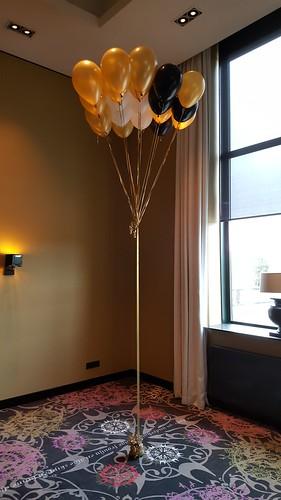 Gronddecoratie 20ballonnen Hotel van der Valk Sneek