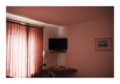 Konstanz, Germany (Jordane Prestrot) Tags: jp25029 hôtel hotel chambre room habitación téléviseur tv television télévision télé televisor televisión tele blackhole trounoir agujeronegro jordaneprestrot konstanz constance