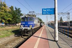 EP07-1064 (paw-mor) Tags: pkp pkpintercity intercity train loco trainspotting rail railway poland poznan poznanglowny pafawag 4e hcp 303e ep07 ep071064