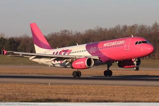 Airbus A320 -232 WIZZ AIR HA-LPN 3354 Mulhouse décembre 2015