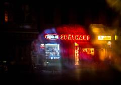20170902-026 (sulamith.sallmann) Tags: arbeit zeichen berlin blur bunt colorful deutschland effect effekt filter folie folientechnik germany geschäft kiosk laden mitte nacht nachtaufnahme nachts night nightshot prinzenallee shop signs späti spätkauf symbol trade typo unscharf wedding deu sulamithsallmann
