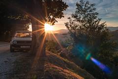 Sonnenaufgang mit Sternen und Flairs (Ralph Punkenhofer) Tags: kroatien motovun istrien sonnenaufgang sunrise nikkonr 35mmf2 summer sommer sonnenschein auto car golf vw natur landschaft landscape