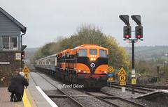 Irish Rail 071 + 073 at Mallow Station. (Fred Dean Jnr) Tags: munsterdoublerailtour 071class 071 073 electromotivedivision generalmotors october2017 mallow mallowstationcork cork rpsi railpreservationsocietyireland railwaypreservationsocietyofireland irrs