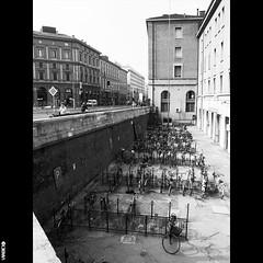#BIKE2PARKING #Bologna IMG_0630 Viabici (Viabici(c) di StefanoM) Tags: viabici bike2 bicicletta bici bike bicycle cykel fahrrad street city mono bw streetphotography chiaroscuro blackandwhite italia bologna