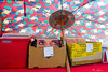 Play me...please... (Piero Riccardi) Tags: disco occhi scatola street mercato ombrellone johnoates darylhall