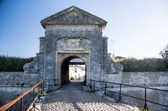 Ile de Ré (PierreG_09) Tags: aquitainenouvelle ilederé saintmartinderé porte portail citadelle vauban patrimoinemondialdelhumanité portedescampani campani