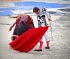 El Juli de izquierda (aficion2012) Tags: arles francia france corrida feriadiriz bullfight bull toro taureau toros matador torero toreador goyesca goyesque eljuli muleta faena izquierda