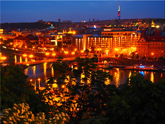 Prague at night (Ostseetroll) Tags: cze geo:lat=5009359648 geo:lon=1441283423 geotagged letnapark praha7bubeneč tschechien prag prague moldau nachtaufnahme nightshot mosty spiegelungen reflections praha
