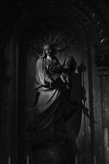 10 - Reims - Cathédrale Notre-Dame - Chapelle du Saint-Sacrement - Vierge de l'Immaculée Conception par  François Ladatte (1742) (melina1965) Tags: reims marne grandest octobre october 2017 nikon d80 noiretblanc blackandwhite bw église églises church churches sculpture sculptures statue statues