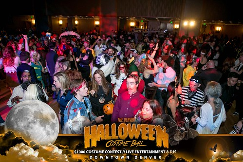 "Halloween Costume Ball 2017 • <a style=""font-size:0.8em;"" href=""http://www.flickr.com/photos/95348018@N07/24225089868/"" target=""_blank"">View on Flickr</a>"