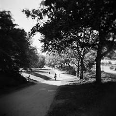 2017-06 - 088M - 08 (sarajoelsson) Tags: holga blackandwhite svartvitt sweden stockholm mediumformat mellanformat 120 film digitizedwithdslr ilford squareformat squares vignetting toycamera 120gn ishootfilm filmisnotdead teamframkallning urban city solna hp5 holgacamera 2017 june summer summertime sunny scannedwithdslr