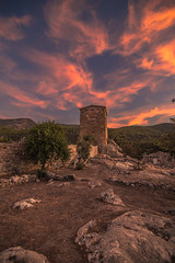 Sunset in the 4-3BC fortress (Vagelis Pikoulas) Tags: fortress caslte porto germeno greece canon 6d tokina 1628mm landscape sky clouds cloudy colors colours view day sunset europe autumn october 2017 archaelogical archaeology ancient rocks