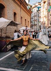 Street Performers Approaching (Poul-Werner) Tags: gislevrejser pamplona spain spanien busferie ferie optrin optræden performance rejse travel travelbycoachorbus navarra es