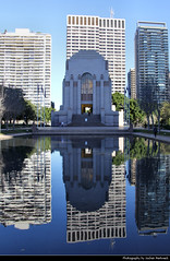 ANZAC War Memorial reflection, Sydney, Australia (JH_1982) Tags: anzac war memorial reflection reflections pool water shrine remembrance building landmark monument architecture bruce dellit rayner hoff hyde park sydney sídney 悉尼 シドニー 시드니 сидней nsw new south wales australia australien australie 澳大利亚 オーストラリア 오스트레일리아 австралия travel travelling traveling heritage art deco 澳紐軍團戰爭紀念堂 전쟁 기념관