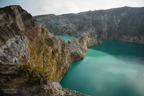 Indonesia | Kelimutu Crater Lakes