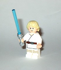 luke skywalker farmboy minifigure from lego 75173 1 star wars luke's landspeeder rogue one packaging 2017 d custom lightsaber from spare parts (tjparkside) Tags: luke skywalker farmboy lego 75173 1 751731 star wars 2017 lukes landspeeder ben obiwan obi wan kenobi tusken raider raiders msand person people tatooine c3po c 3po protocol droid droids womp rat rats minifigures minifigure mini fig figs figure figures new hope anh ep episode iv four 4 lightsaber lightsabers hilt gaffi stick