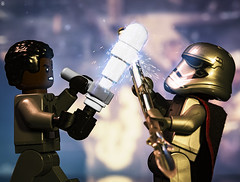 Finn vs Phasma (Jezbags) Tags: lego legos toy toys macro macrophotography macrodreams macrolego canon60d canon 60d 100mm closeup upclose finn phasma captain sparks last jedi lastjedi battle star starwars wars fight