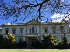 Old Government House (CR1 Ford LTD) Tags: aucklandcity auckland inandaroundauckland aucklandnewzealand newzealand oldgovernmenthouse thequeenshouse newzealandgovernment oldauckland historicauckland aucklandlandmark aucklandshistory grandbuildings grandhomes thequeen newzealandhistory governmenthouse