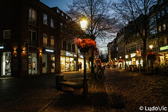 En rue à Aix-la-Chapelle (Lцdо\/іс) Tags: aachen germany allemagne allemande street lampadaire lights travel discover night nightcity lцdоіс