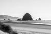 Cannon Beach (minus6 (tuan)) Tags: minus6 d810 85mm haystackrock