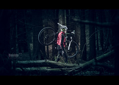 The flat tire (davide978) Tags: davide978 davidecolli davidecolliphotography roberto bike wod portrait bosco speedlight pocketwizard flash persona ritrattoambientato sport outdoor mountain montagna mg1680 compagnia condivisione fratello brothers the flat tire 2017 canon ff fullframe 35 ef70200mm f28l usm zoom canonef70200mmf28lusm valganna italy italia comunitàmontanadelpiambello varese 21100 piambello induno olona lombardia