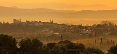 new day begins (maria xenou) Tags: foggymorning morgennebel landscape landschaft morgens sunlight sonnenlicht moments momente greece πρωι στιγμεσ ελλαδα τοπιο πανοραμα ομιχλη φωσηλιου sunrise sonnenaufgang village dorf hills berge panorama sky nature natur tagesbeginn