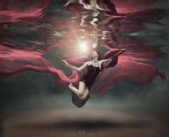 Dagney (wesome) Tags: adamattoun underwaterphotography underwaterportrait ikelite