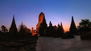 Silhouette Wat Chaiwatthanaram temple