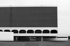 Brasilia National Library (Andre Lourenco) Tags: sony alpha 68 a68 ilca ilca68 brasilia brasil brazil biblioteca nacional national library museu museum preto branco pretoebranco black white whiteonblack bw pb monocromático monochromatic blancetnoir noiretblanc 50 50mm sal50f18