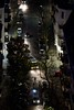 204er biegt in die Gotenstraße (M. Schirmer Berlin) Tags: berlin gasometer roteinsel germany deutschland altbau mietskasernen leberstrase gustavmüllerstrase gotenstrase schöneberg leuthenerstrase bus bvg 204 106 nacht dunkelheit finster parken kreuzung radfahrer