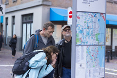 Travellers on Water St looking at Map (Earker) Tags: gastown waterfront streetphotography canada vancouverbc vancouvercanada britishcolumbia canonrebelt3i canont3i canon 50mm map