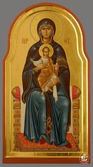 Божия Матерь с Богомладенцем Христом на троне. Храм покрова Божией Матери, Ленинградская область (Кутузовское)