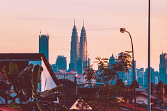IMG_2024 (tomsweisiong) Tags: city kuala kualalumpur landscape flickr yahoo exposure experiment setapak photograpghy picture photography photo cityscape towers petronas twins building