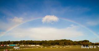 Arc-en-ciel à l'hippodrome de la baie