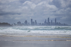 Skyline and Golden lines (S♡C) Tags: goldcoast queensland surfersparadise waves stormy