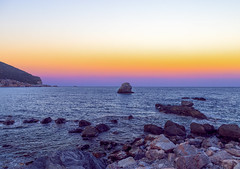 Skopelos sunset (kubaszymik) Tags: skopelos thessaly thessalia island greece greek aegan sea sunset evening dusk canon sporades holidays 2017 september clouds sky water rocks harbour bay vsco 6d