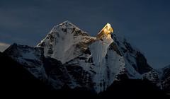 Himalayan Sunrise (Kramskorner) Tags: mount everest base camp 2017 katmandu mountains himalayas pumori ama dablam snow capped peaks summit trek trekking hiking high altitude sony a7ii 24240mm landscape sunrise bw