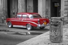 (736/17) Coches en La Habana XVII - tuKola (Pablo Arias) Tags: pabloarias photoshop photomatix capturenxd coche auto automóvil carretera bote refresco lahabana cuba