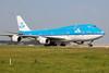 PH-BFC, Boeing 747-406(M), KLM (freekblokzijl) Tags: klm boeing747 747400 arrival taxien taxiwayv victor blue jumbo amsterdamairport schiphol planespotting aviation luchtvaart vliegtuig eham ams canon eos50d