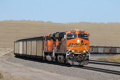 BNSF Power and Cars (kschmidt626) Tags: coal train wyoming bnsf union pacific deer powder river bunny
