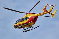 EC135 de la sécurité civile retournant sur la phare du Four (ijmd) Tags: france bretagne porspoder presqu'îlesaintlaurent hélicoptère helicopter