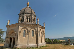 Notre-Dame de Provence - Forcalquier (France) (Meteorry) Tags: europe france côted'azur paca alpesdehauteprovence forcalquier lure luberon june 2017 meteorry notredamedeprovence hill colline citadelle chapelle chapel conical octagonal medieval médiévale view viewpoint building