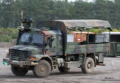 MB 1833 / ZETROS (Combat-Camera-Europe) Tags: lkw truck trucks 4x4 mb mercedes mercedesbenz zetros armee army bundeswehr militär military kmweg flw100 flw nato otan germanarmedforces protection armoured armouredcabin highprotection bergen munster bw heer lastkraftwagen mbzetros